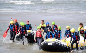 raften tijdens een surfcamp dichtbij scheveningen
